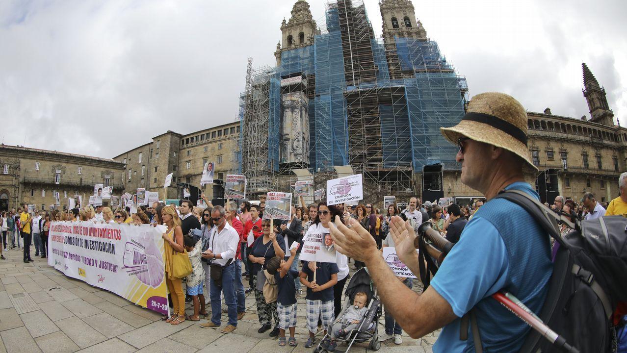 Llegada de la manifestación de las víctimasde Angrois al Obradoiro.