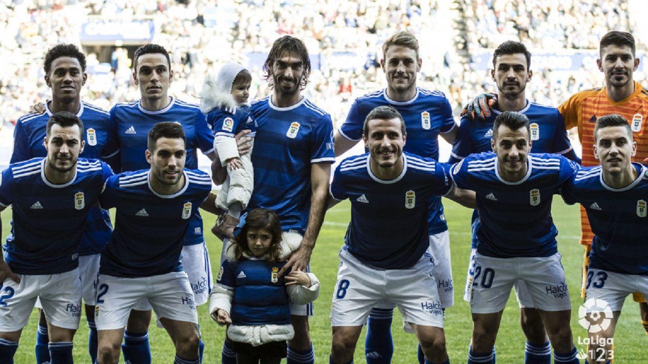 Gol Carlos Hernandez Real Oviedo Cadiz Carlos Tartiere.Alineación del Real Oviedo ante el Cádiz
