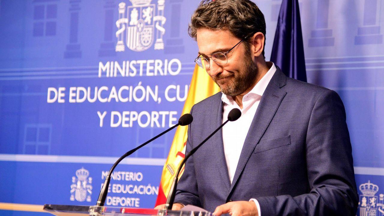 El nuevo ministro de Cultura, José Guirao, tomó posesión con una apelación al consenso y al respeto por «todo y todos»