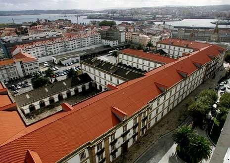 El papa bautiza a la niña de una pareja casada por lo civil.La unidad de Apoyo Logístico tendrá su sede en el acuartelamiento de Atocha, en A Coruña.