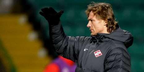 Karpin entrena al Spartak de Moscú en diciembre en una cita de la Champions League.