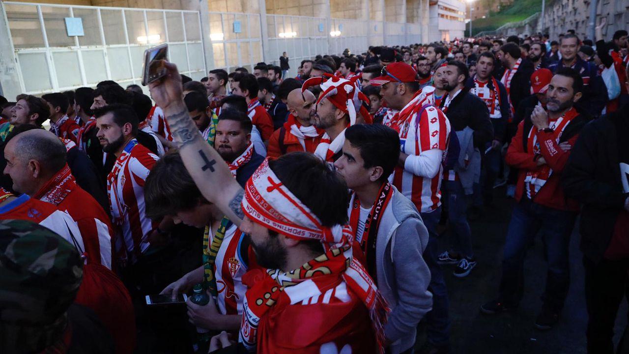 La afición del Sporting llega a Oviedo para el derbi
