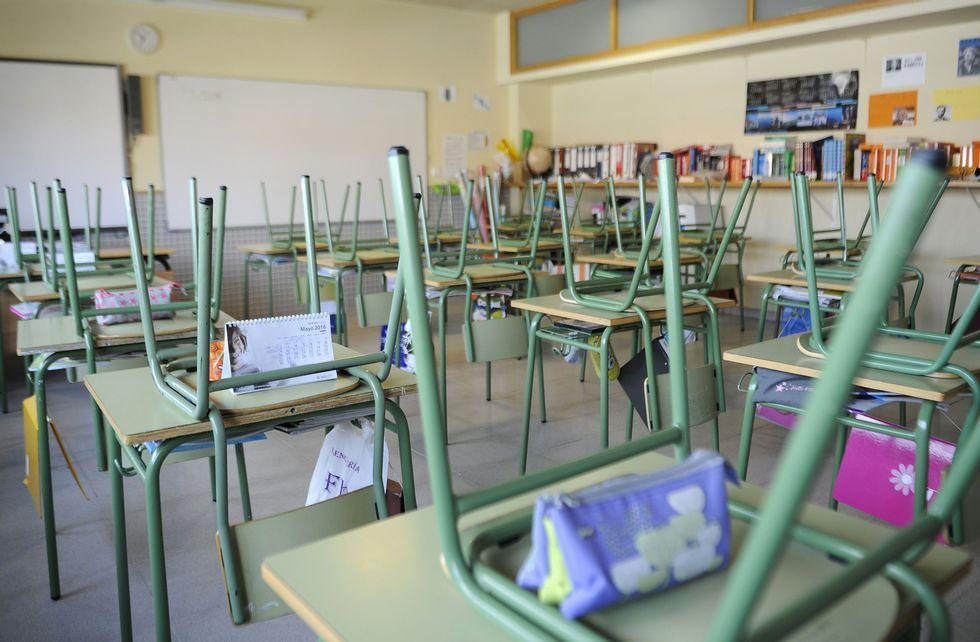 En el colegio Manuel Rivero de Lalín el aula de sexto quedó completamente vacía.