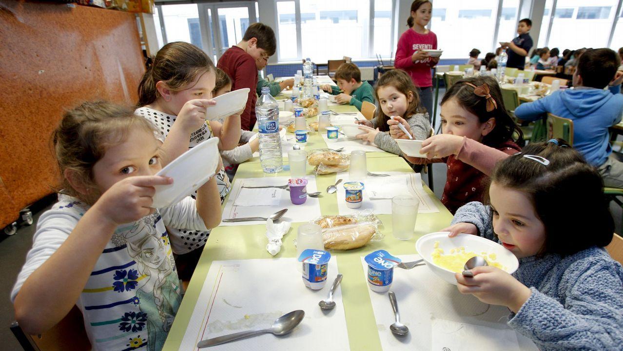 Dos empresas presentan ofertas para servir los nueve for Empresas comedores escolares
