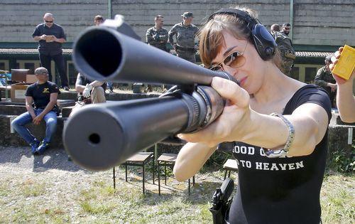 Torneo de tiro entre Guardia Civil, Policía y Brilat