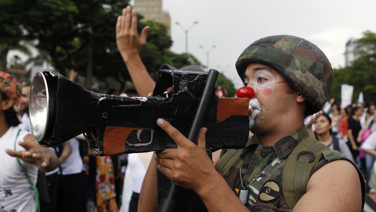 Estudiantes de universidades públicas de Colombia a los que se unieron otros de instituciones privadas y profesores iniciaron hoy movilizaciones en distintas partes del país para pedir al Gobierno más recursos para el sector