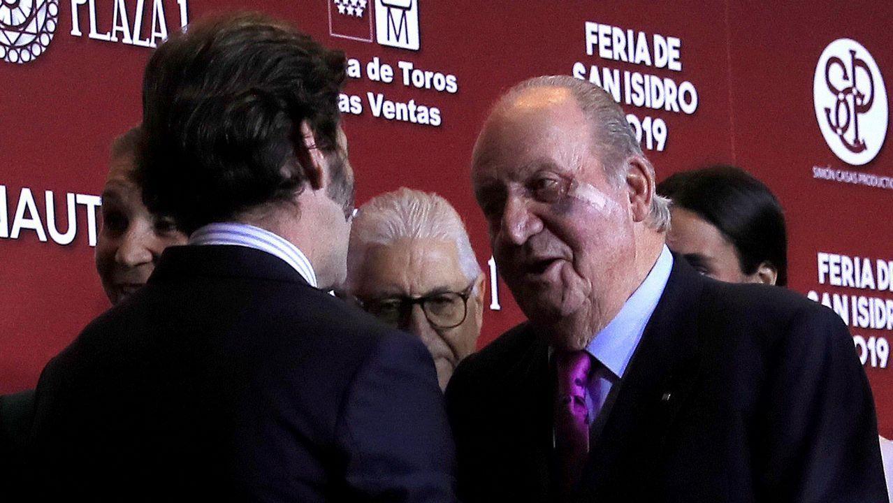 El rey Juan Carlos, con el diestro Juan José Padilla