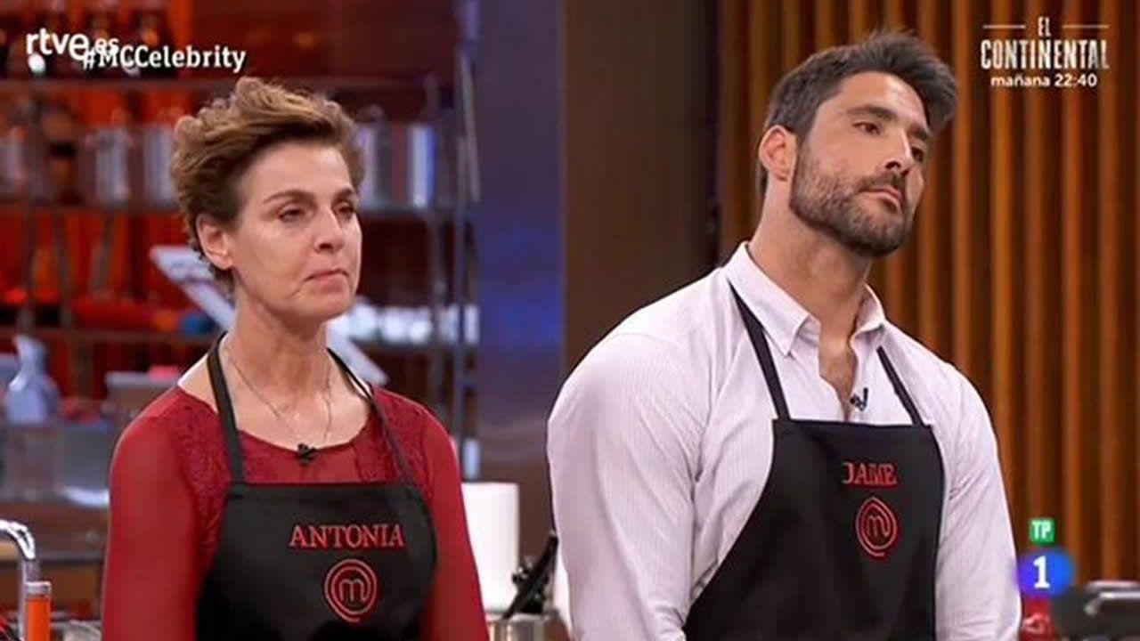 Los cocineros Martín Berasategui y Jordi Cruz, de cena en Negreira.La concursante gijonesa de Master Chef Carlota