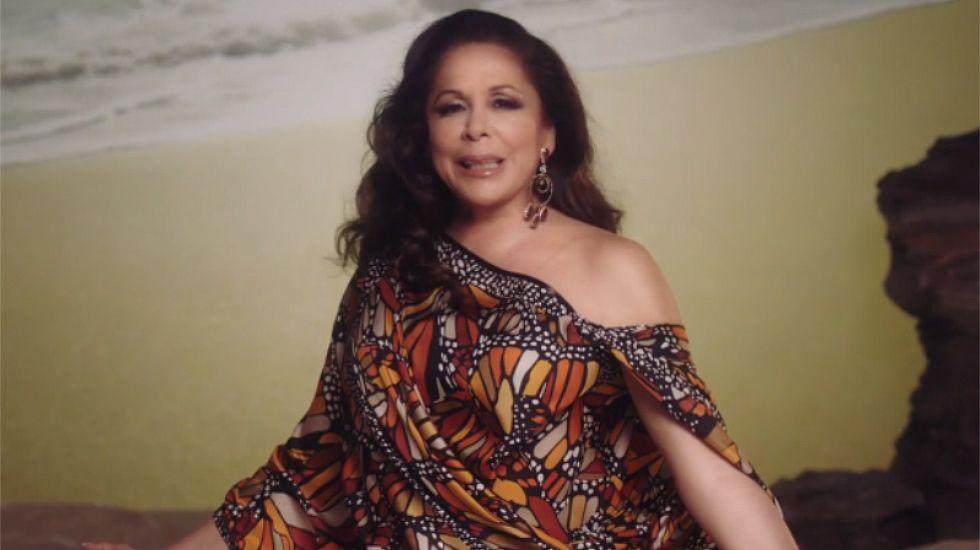 Isabel Pantoja canta «Del olvido al no me acuerdo».