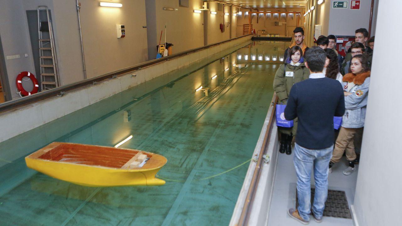 Los alumnos que participaron en el Día de la Ingeniería pudieron conocer de cerca el funcionamiento del canal de ensayos hidrodinámicos del campus