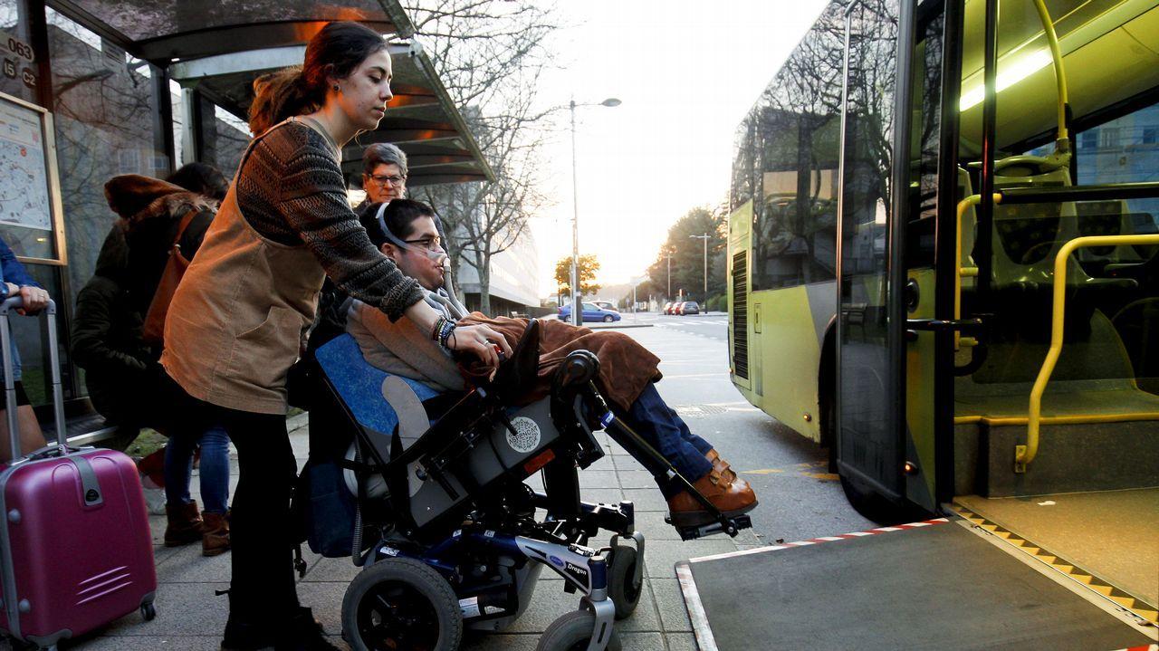 Durante más de una semana, Daniel no pudo ir en bus porque las rampas no funcionaban.