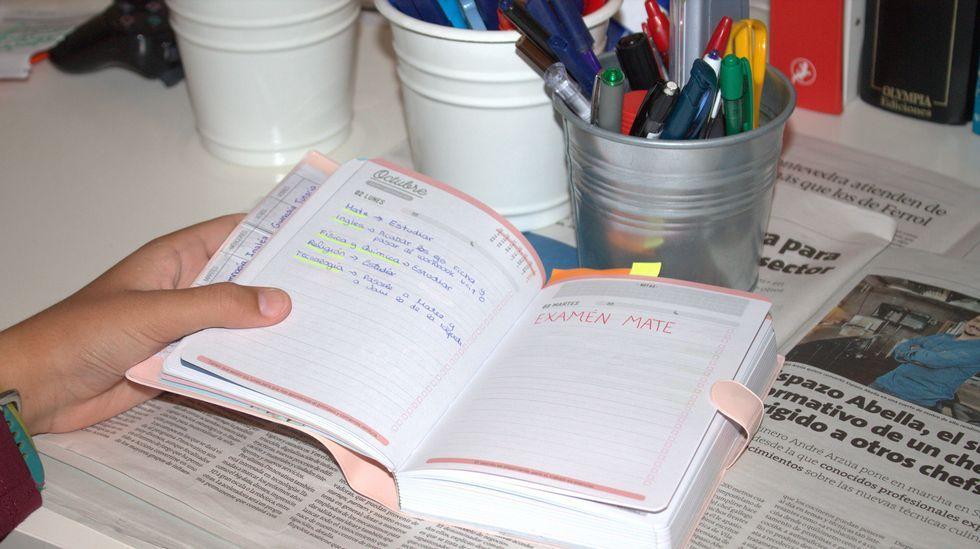 .La agenda escolar es una excelente compañera del estudiante, al que ayudará a ir al día
