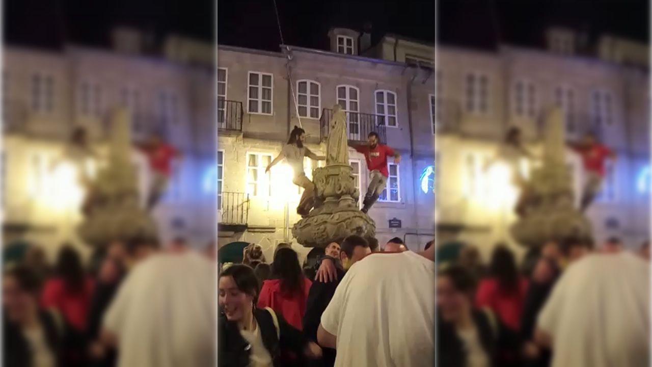 La imagen de San Vicente, compañera de baile de dos jóvenes en San Froilán