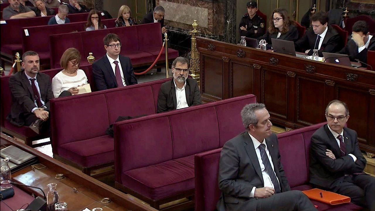 Los fiscales Madrigal y Moreno conversan en el juicio por el 1-0