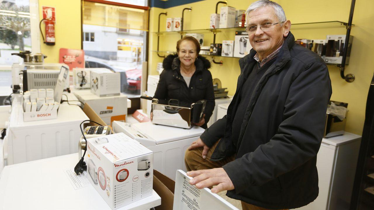 Una pareja inglesa compra una aldea en Viveiro
