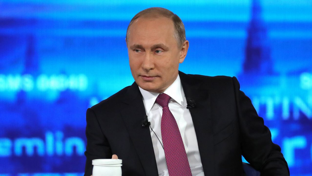 Destinos vacacionales.Trump, escoltado por Emin Agalarov y por su padre Aras (dos de las personas clave en el caso Rusiagate), en Moscú en el año 2013