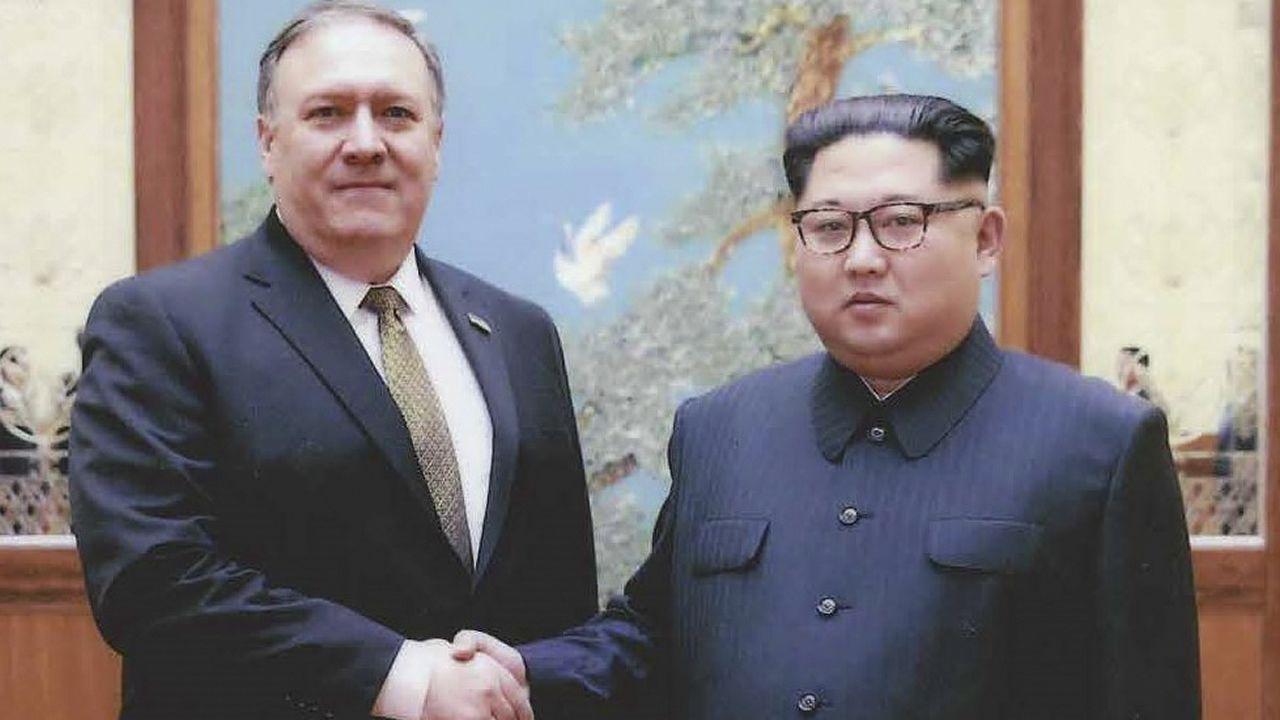 .Imagen del pasado 26 de abril, Mike Pompeo junto a Kim Jong-un