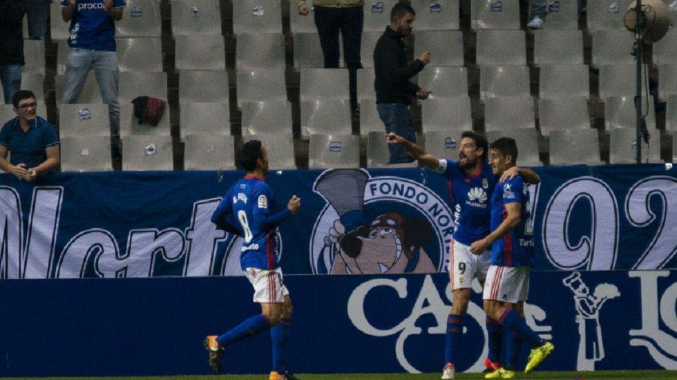 Berjon Toche Folch Horizontal.Berjon, Toche y Folch celebran el primer gol del Real Oviedo