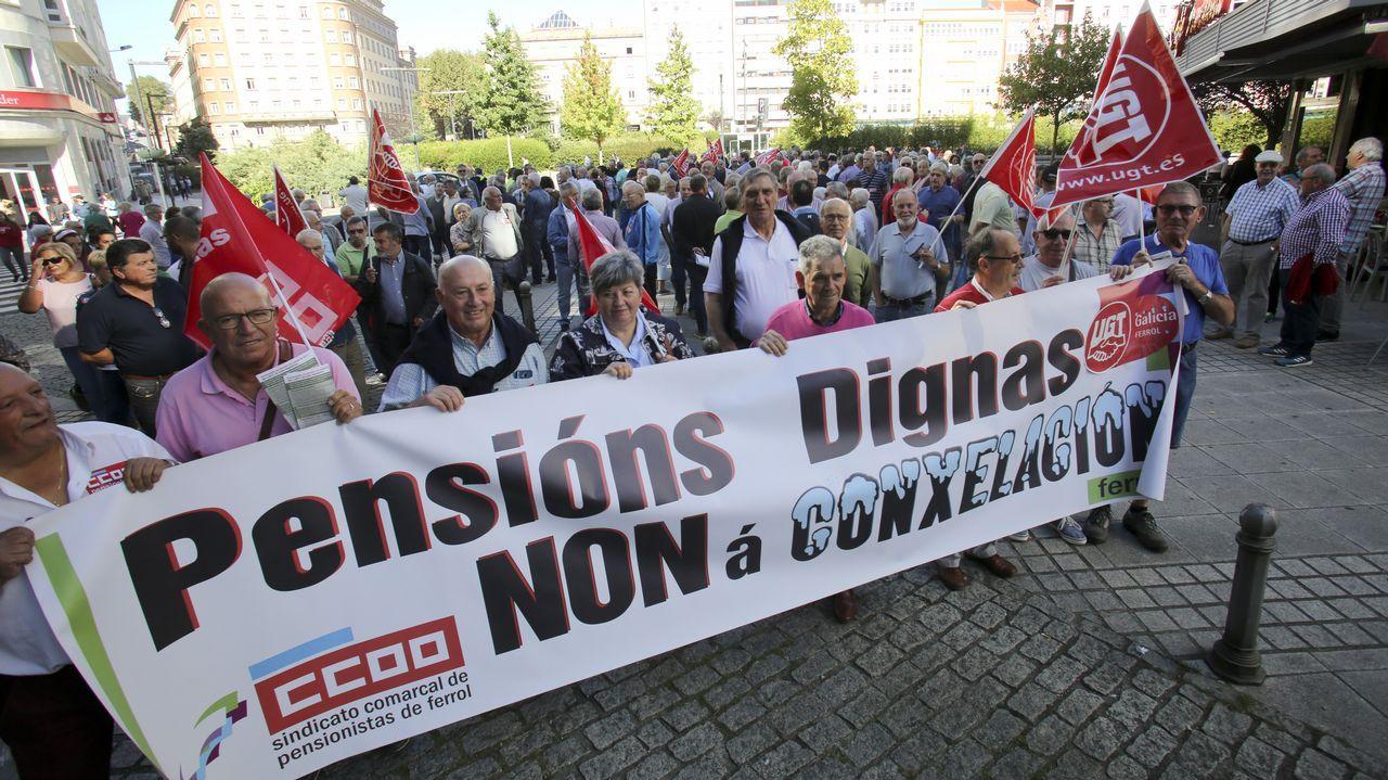 Centro penitenciario de Villabona.Concentración en defensa de las pensiones públicas en Gijón