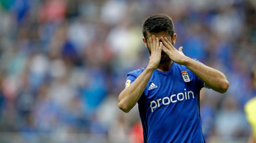 Nando se cae de la convocatoria de Copa.Nando se lamenta tras una ocasión fallada