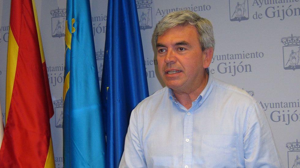 Fallece el conductor de un turismo en una salida de vía en Marín.El presidente del PP de Gijón, Mariano Marín.
