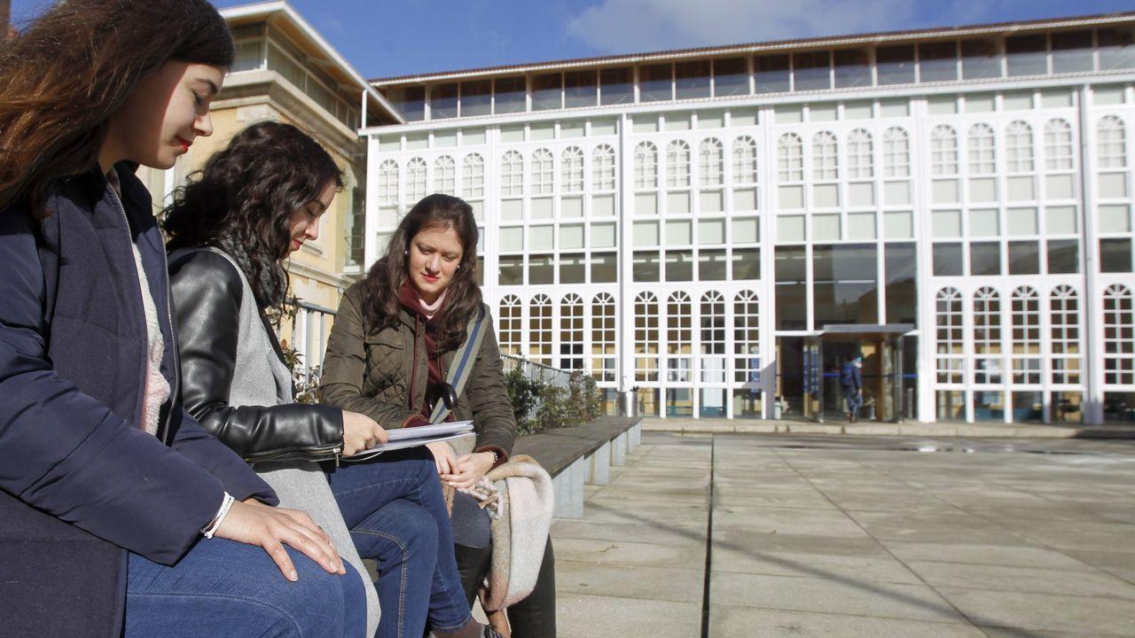 .El lunes comenzarán las clases del nuevo grado de Xestión Industrial da Moda en la Facultad de Humandades