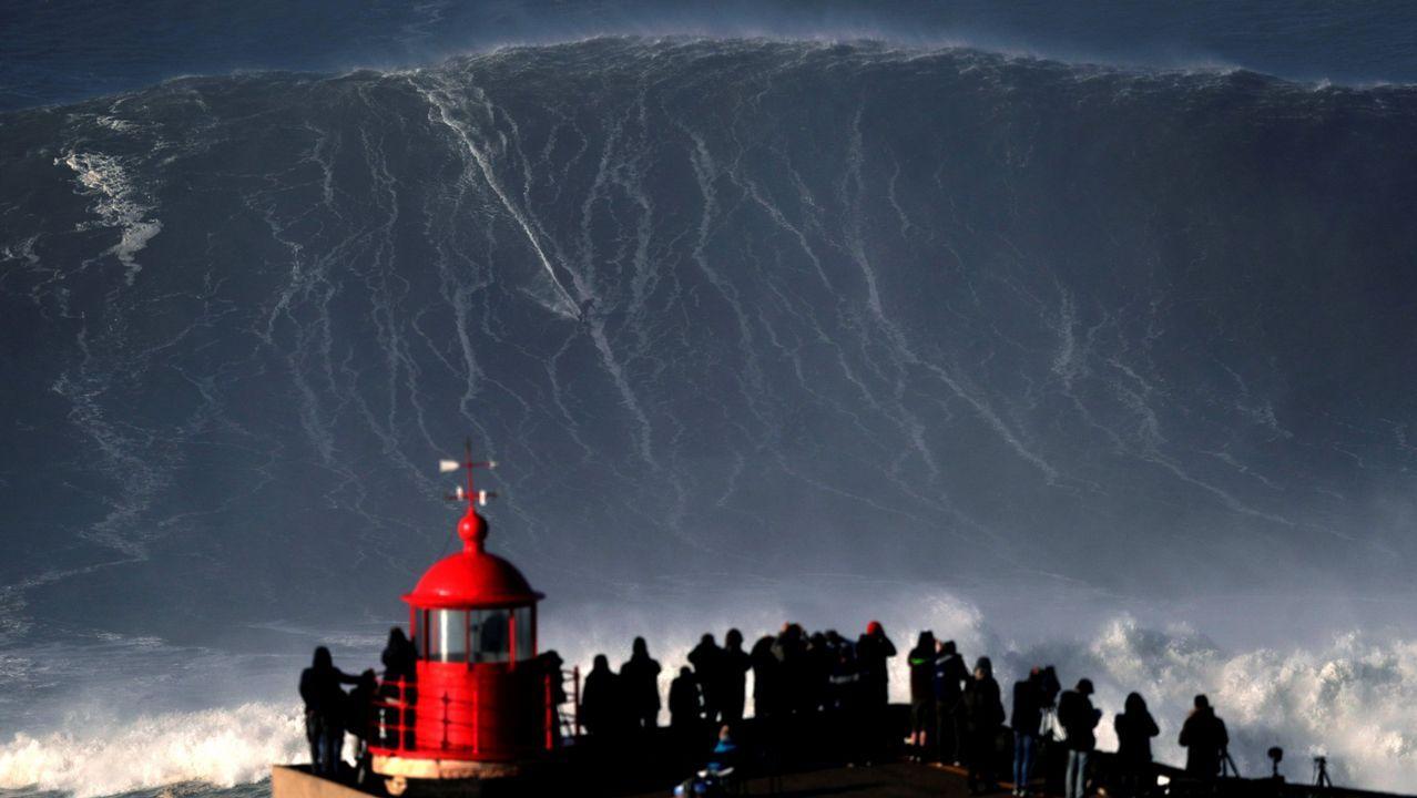 El surfista del milagro en Nazaré: «Sentí la inmensidad de la ola».