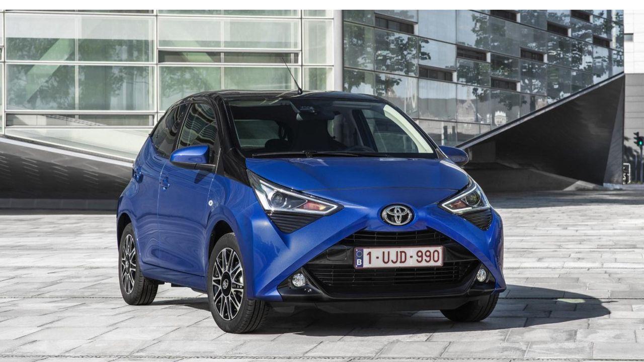 Los 10 coches más vendidos en España en 2018.Toyota Aygo con la versión X-Clusiv