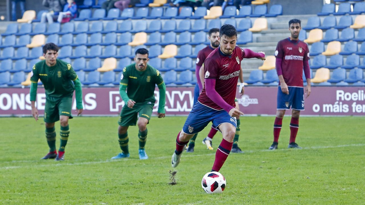 Diegui Johannesson Owona Real Oviedo Almeria Carlos Tartiere.Diegui Johannesson en El Requexón