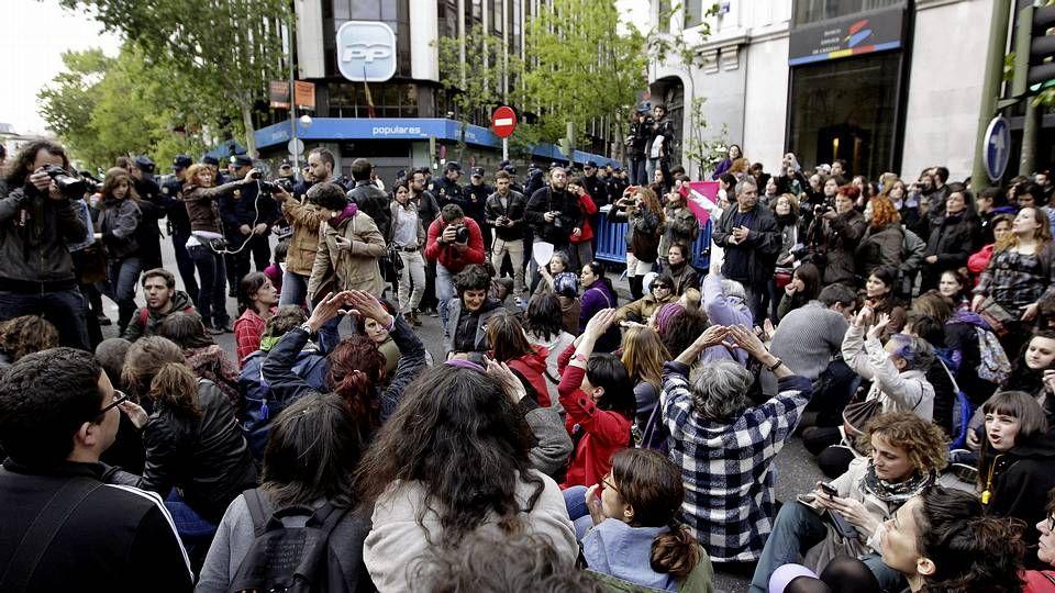A nadie en su sano juicio se le ocurriría hoy cargarse esta joya que coronó, desde 1926 hasta 1975, la plaza de Galicia; pasen y lloren