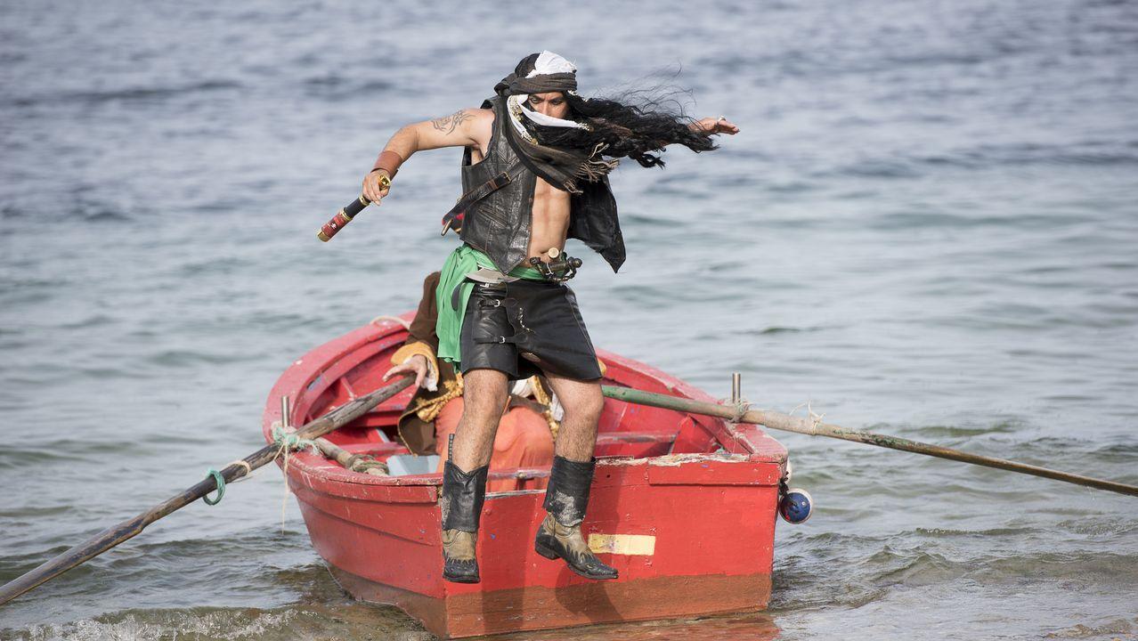 Abarrote en el Longueirón de Fisterra, localidad pirata: ¡mira las imágenes!.
