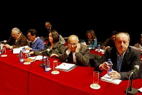 El PSOE sigue manteniendo la incógnita sobre quién será su candidato en el 2015.