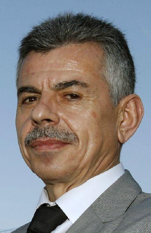 Luis García (izquierda) es el actual interventor y fue edil del PSOE en Nigrán