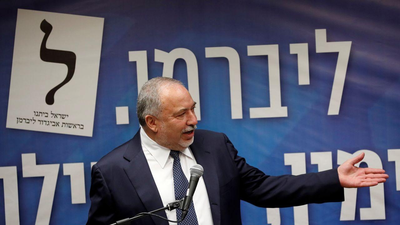 El exministro de Defensa Avigdor Lieberman, de cuyo apoyo depende la formación de gobierno, junto con los ultraortodoxos