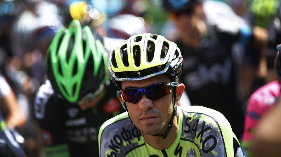 Valverde recibe asistencia durante la décima etapa