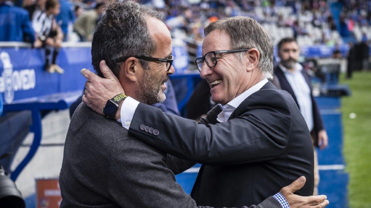 Tejera Real Oviedo Extremadura Carlos Tartiere.Anquela y Cervera se saludan antes del Oviedo-Cádiz de la 17/18