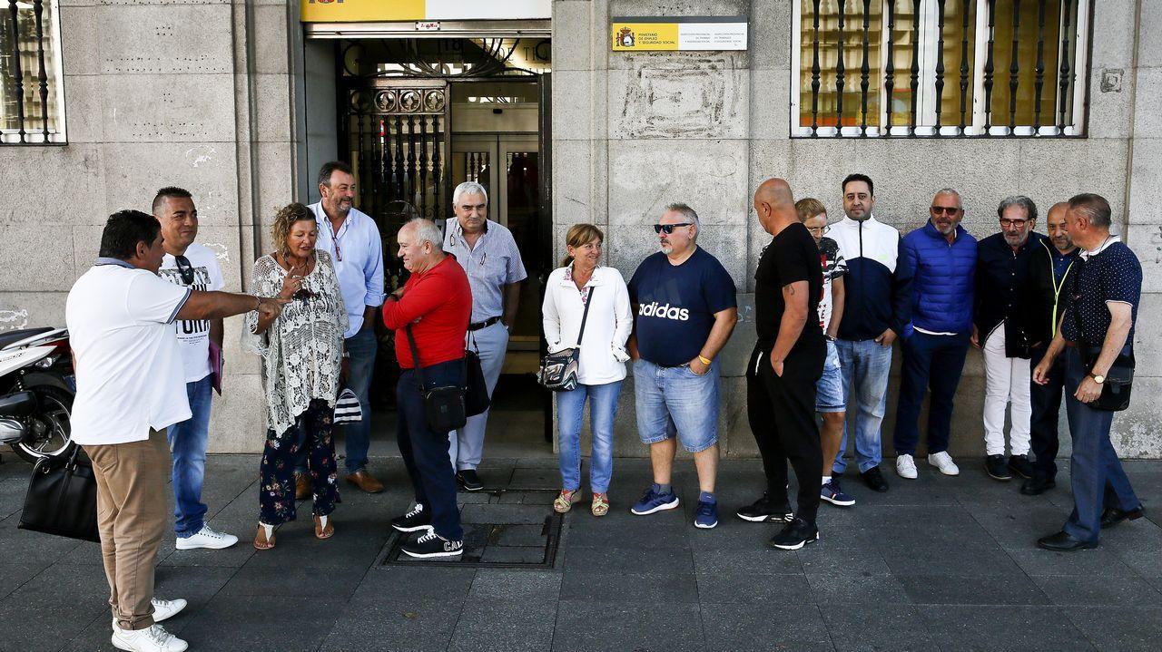 Avilés calla por las víctimas.Policía local de Gijón
