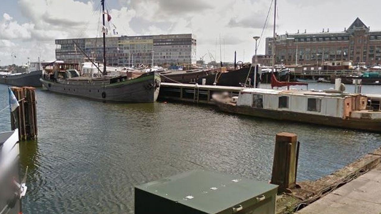 Ámsterdam | Silodam. Silodam es un laureado ejemplo de uso residencial para muelles sin actividad. En la ciudad también se contruyó un pequeño barrio en los 80, IJ Plein, sobre los terrenos de un antiguo astillero.