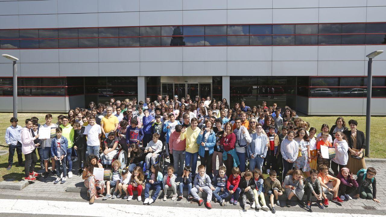 Entrega de premios Voz Natura.Participantes en las jornadas reunidos en la Estación Científica do Courel