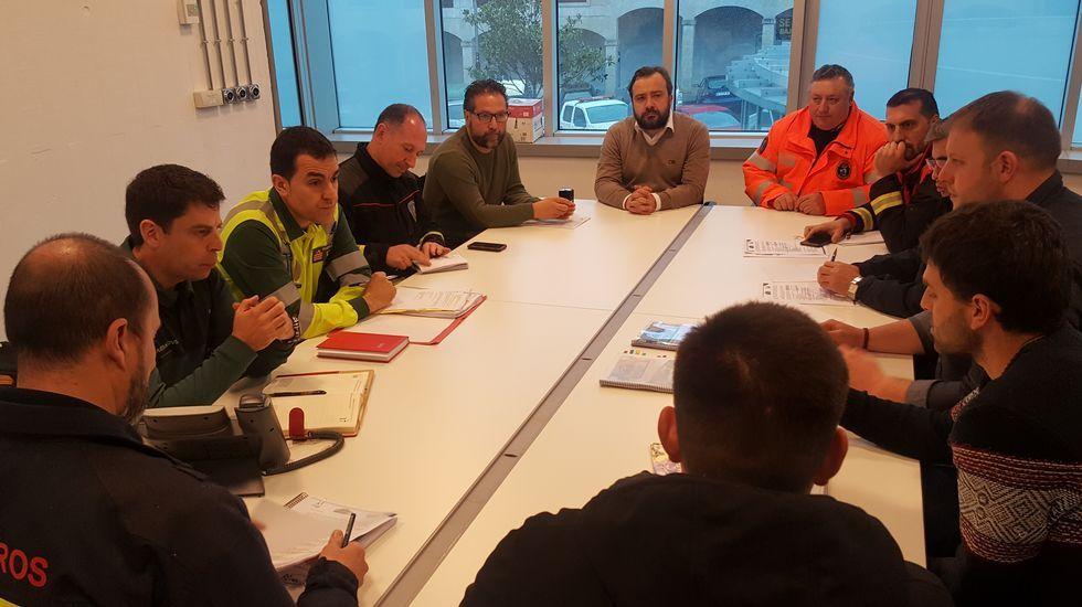 ¡Echa un vistazo a los diseños del grupo B de los Noveis Deseñadores en Camariñas!.El temporal marítimo dejó un fuerte oleaje en Gijón