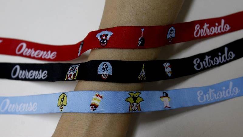 Las tres pulseras que componen la colección del carnaval.