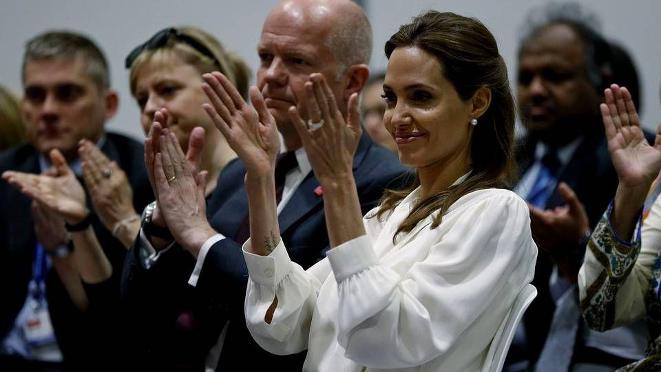 Angelina Jolie apoya a las víctimas de violencia sexual .Israel decretó toque de queda indefinido, movilizó a reservistas y cerró los accesos a Hebrón.