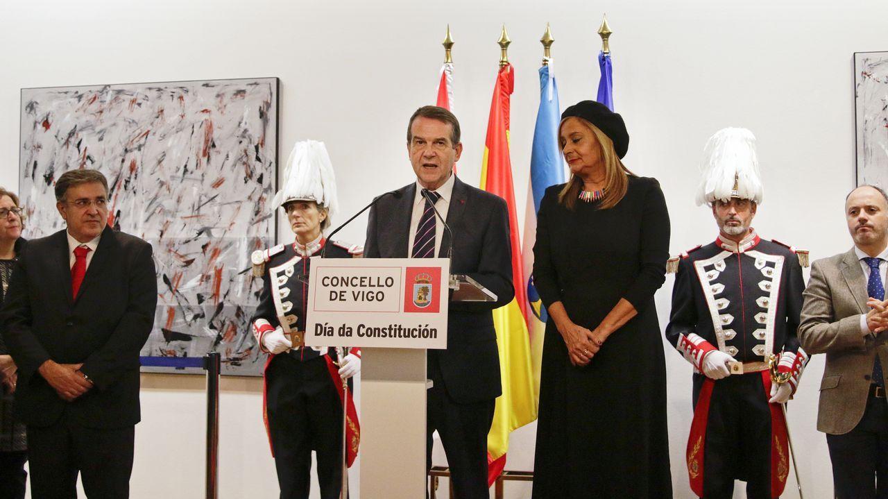 La ELA no es ciencia ficción.Un centenar de personas durante la concentración hoy en Oviedo contra la decisión del Tribunal Superior de Justicia de Navarra (TSJN) de confirmar la sentencia que condena a los miembros de la Manada por abuso sexual y no por violación, como pedían las acusaciones
