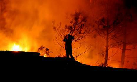La ola de calor derrite Galicia.Imagen dantesca de un incendio forestal ocurrido el año pasado en el municipio de A Guarda