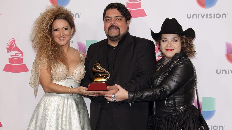 Mejor Canción Regional Mexicana: «Ataúd», Erika Ender, Manu Moreno & Mónica Vélez, compositores (Los Tigres Del Norte)