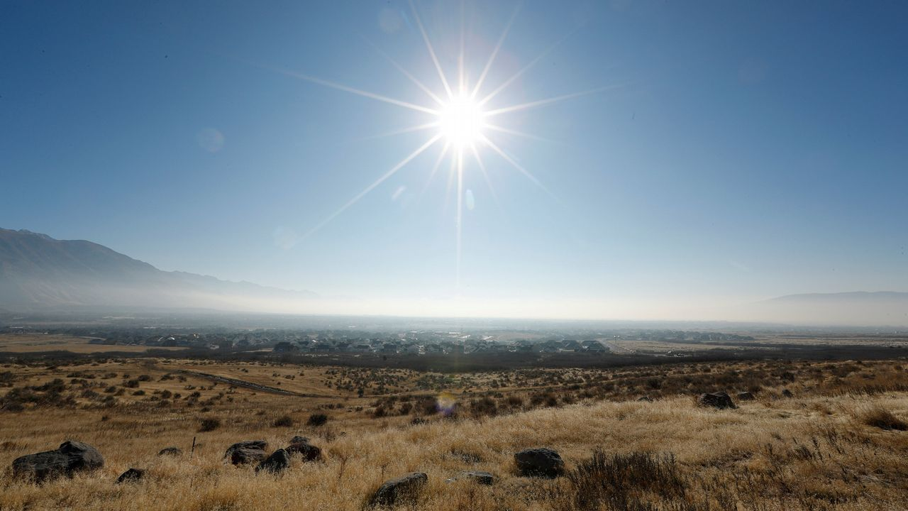 Día soleado en el valle de Utah, en EE. UU.