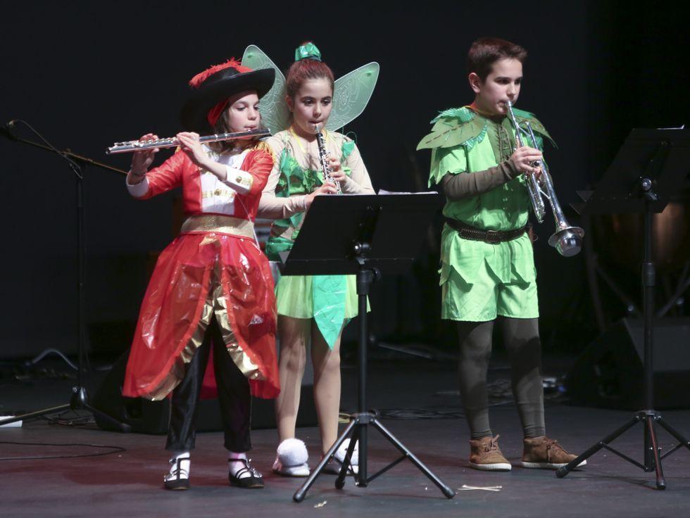 El concierto de Dani Martín, en imágenes.Imagen promocional de las carreras de caballos de Ribadesella