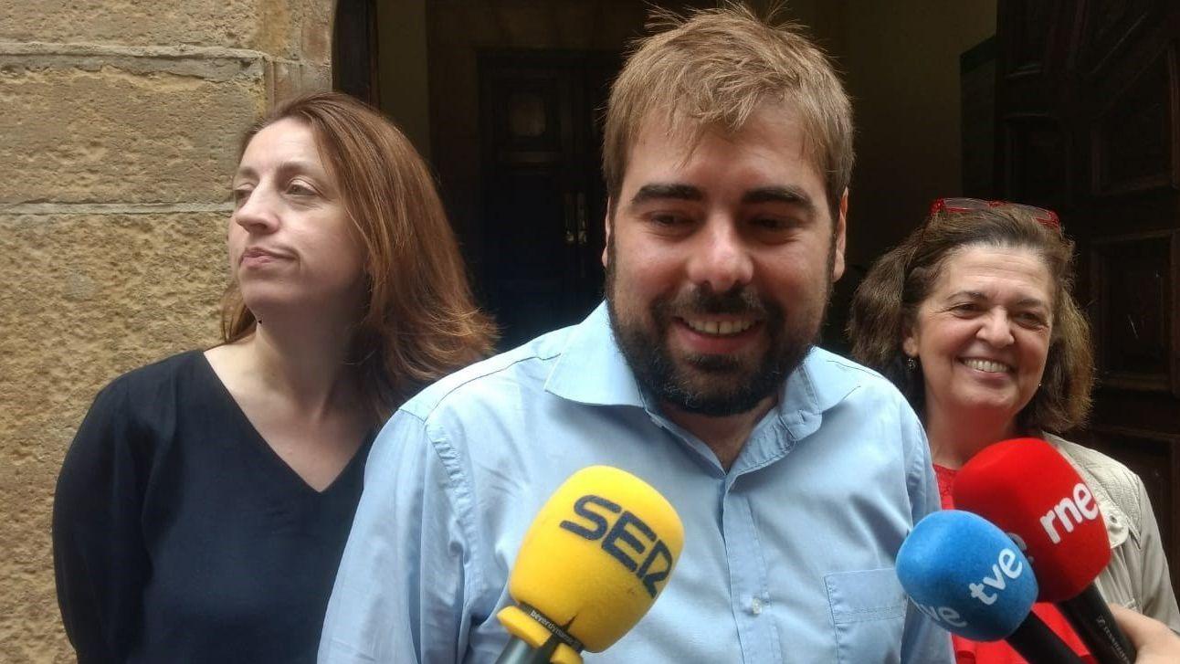 Avilés calla por las víctimas.Daniel Ripa