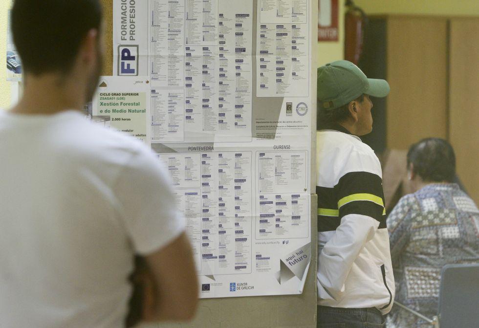 Los trabajos de Navantia, en imágenes.Los listados del desempleo se han ido reduciendo en todas las oficinas de la comarca.