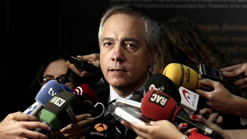 El PSOE cambia de rumbo.Pere Navarro, líder del PSC